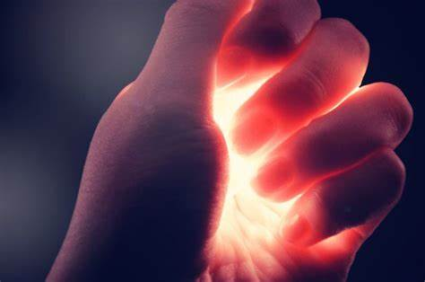 Here is What Each Finger On Your Hands Tells About Your Energy
